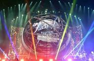 周杰伦演唱会上海首唱,林更新、片寄凉太现身,明星追星也疯狂