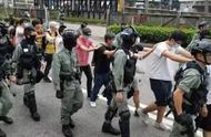 蒙面暴徒占据理大校园被围后欲逃跑,皆数被港警追截拘捕
