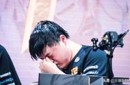 RNG止步16强,Uzi哭了,小虎输出2200全场最低,网友:赶快退役
