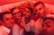 男子登上188人座客机,发现自己是唯一乘客,一看机票瞬间明白了
