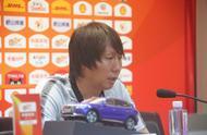 李铁谈冲突:我是要和对方握手,但申花教练误以为我起冲突