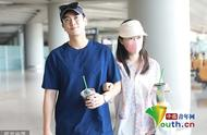 甜爆了!杜江与霍思燕搭机挽手臂互动撒狗粮