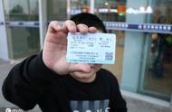 增肥救父男孩离京:身体恢复减重4斤,准备返校上学