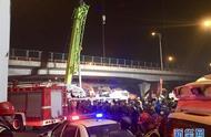 无锡一高架桥桥面发生侧翻事故3车被压 3死2伤