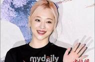 韩女艺人雪莉17日出殡家人好友出席 葬礼程序非公开