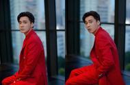 191018 李易峰看秀造型公开 红衣少年风度翩翩
