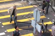 香港市民自发清理路障遭暴徒袭击 警方呼吁避免自行清理