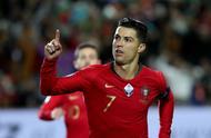 C罗帽子戏法皮齐帕先西亚B席分别建功,葡萄牙6-0立陶宛