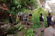 悲剧!法国一游客在瀑布前自拍 不慎滑落身亡