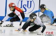 短道速滑世界杯上海站:武大靖500米意外摔倒摘银