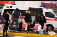 救护车闪着警灯接机 机场方称为员工私自违规使用