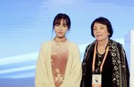 李子柒参加成都国际非遗节,穿着旗袍婀娜多姿,不像干过农活的人