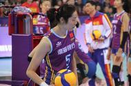 天津女排3-2艰难取胜!朱婷手腕受伤、下场休息,李盈莹绝地反击