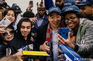 华裔杨安泽参选2020美国总统,有可能把亚裔刻板印象变成优势吗?