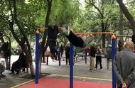 西安公园里的大爷大妈,才是健身鄙视链顶端的王者