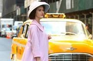 《了不起的麦瑟尔夫人》第三季,女主现身片场,还有绿幕出现