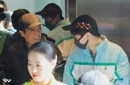 王俊凯机场偶遇张艺谋,两人再度同框