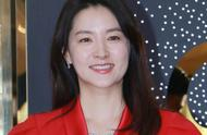 48岁李英爱上海出席品牌活动,气质状态都保持得很好,优雅大方