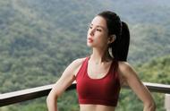 52岁的李若彤身材太好了~看到这些女星的身材口水都要流下了