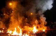"""香港警方突然换了打法,暴徒开始""""哀嚎遍野"""""""