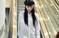 孟美岐穿衬衫裙长发披肩皮肤白到发光,镜头前高冷与可爱无缝切换