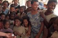 马达加斯加雇佣童工采矿 最小不满5岁 每天工作13小时只挣6毛钱
