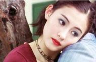 张伯芝用口红化妆,重现港风妆容,回眸瞬间将人的记忆重回90年代