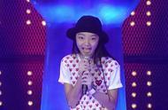 【火箭少女】李紫婷13岁登上泰国好声音舞台,中文演唱征服评委!