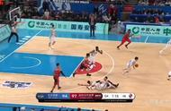 裁判报名:北京与深圳的比赛有3次错判 林书豪发球后应有0.6秒
