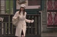 《穿普拉达的女王》安妮海瑟薇变装太美了吧,白色那套气质爆棚!