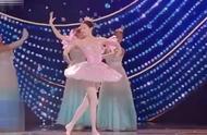 钟楚曦关晓彤跳芭蕾,女神同台battle谁赢了?