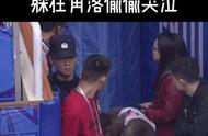 四川男篮外援哭了他真的很不容易!