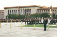 阅兵:三军仪仗队兵哥哥们走出的正步,步伐整齐威武霸气啊!
