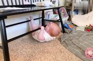 小宝宝健身,完成了10个仰卧起坐,超厉害