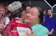 佟丽娅舞蹈剧与一群舞者热舞,下台忍不住痛哭,受到表扬破涕为笑