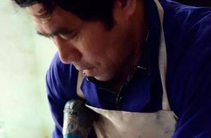 二胡制作过程中蟒皮处理与套皮工艺