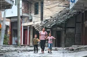 长宁地震24小时人物面孔:裹被逃生,有人结婚,有人产子