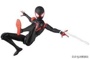 穿着AJ的黑人蜘蛛侠?这个人偶真的太好玩了