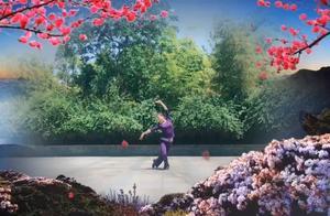 千岛湖根凤广场舞队《梦回雨巷》