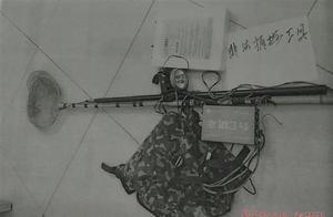 长江边电鱼回家烧菜殊不知已经犯法,3名非法捕鱼者均受法律制裁