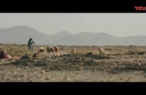 美军巡逻路上被炸弹袭击-_一部惨烈悲壮的战争片