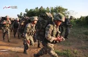"""和战士同台PK!年龄相差20岁,营长表示""""压力山大"""""""