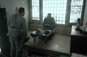亮剑:李云龙被撤职降为营长,全团都不敢叫他营长,唯独这个小子