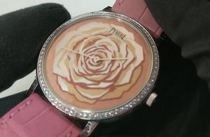 最经典的元素之一,表界著名的玫瑰系列,伯爵珍珠母贝玫瑰腕表