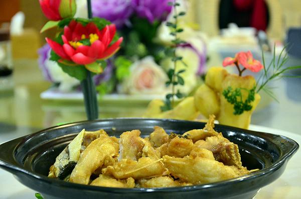 方生粤菜王府--脆鲩全鱼宴,一鱼十二吃