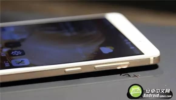 裸眼3D+双摄 6英寸大屏中兴天机7 MAX评测
