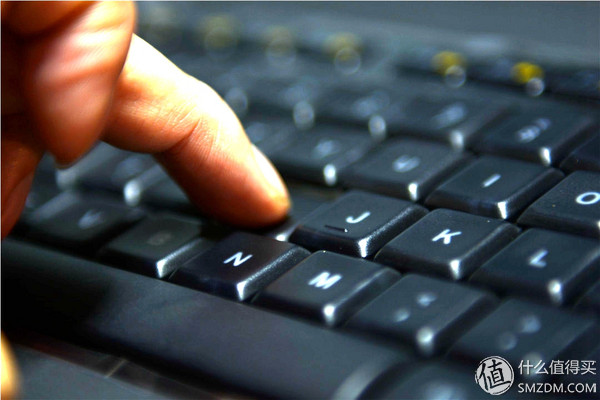 二爷玩外设 篇二:我们需要一款无线的背光键盘-----罗技K800键盘评测