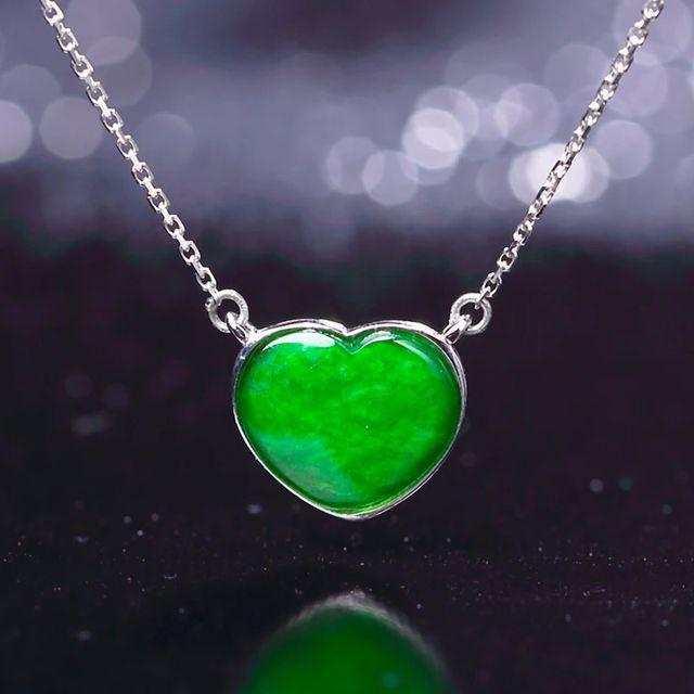 满绿翡翠,价格便宜,您怎么看?