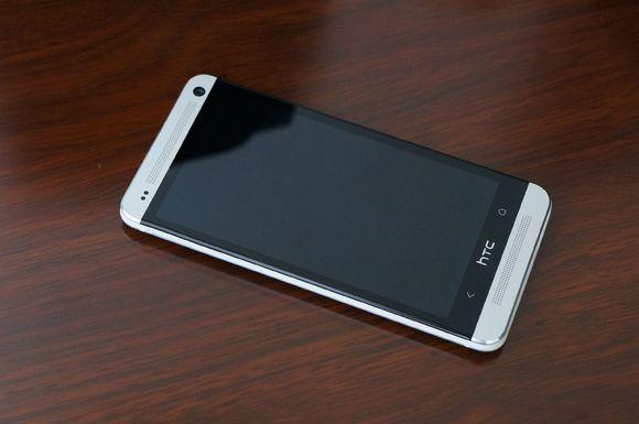 HTC以前的安卓机皇,完爆苹果三星,只遗憾青黄不接