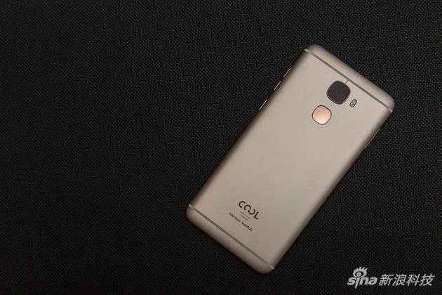 酷派新手机更改着S1手机上评赏 这一长相你要令人满意吗?